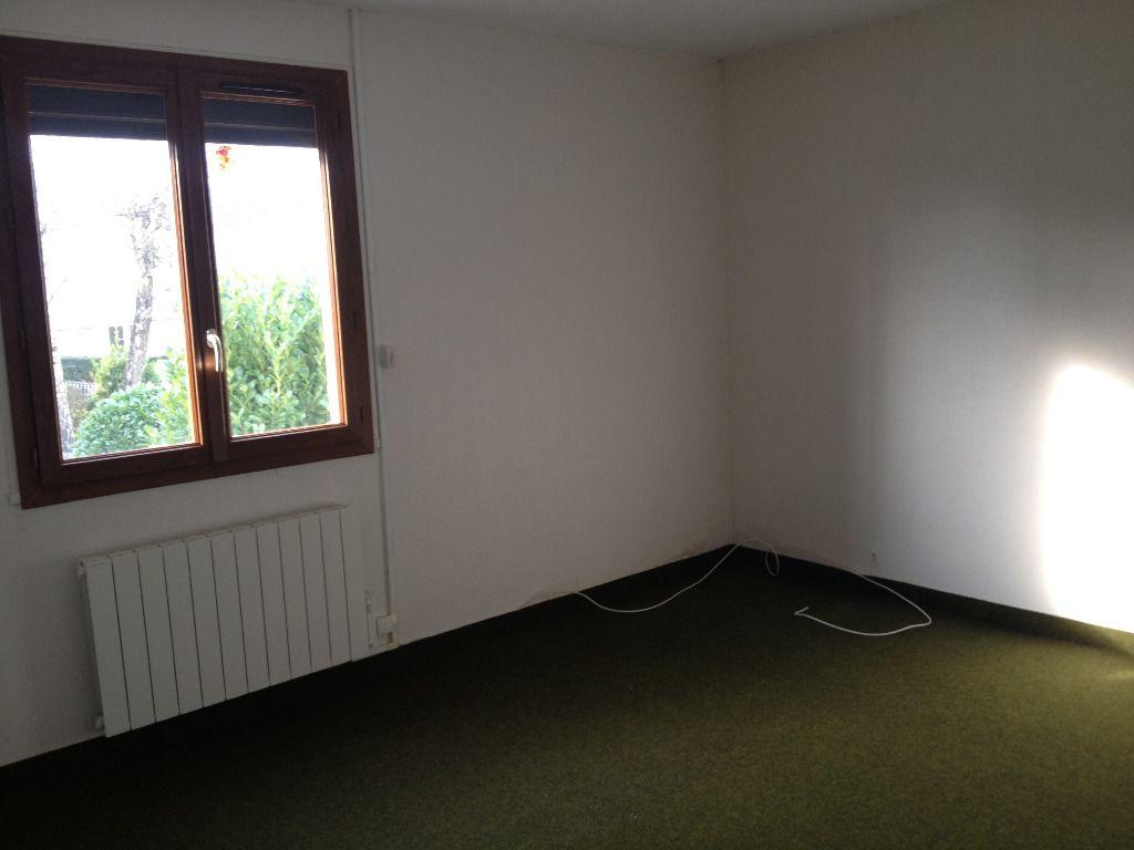 Immobilier a vendre vente acheter ach maison 50210 for Agrandir fenetre sous sol