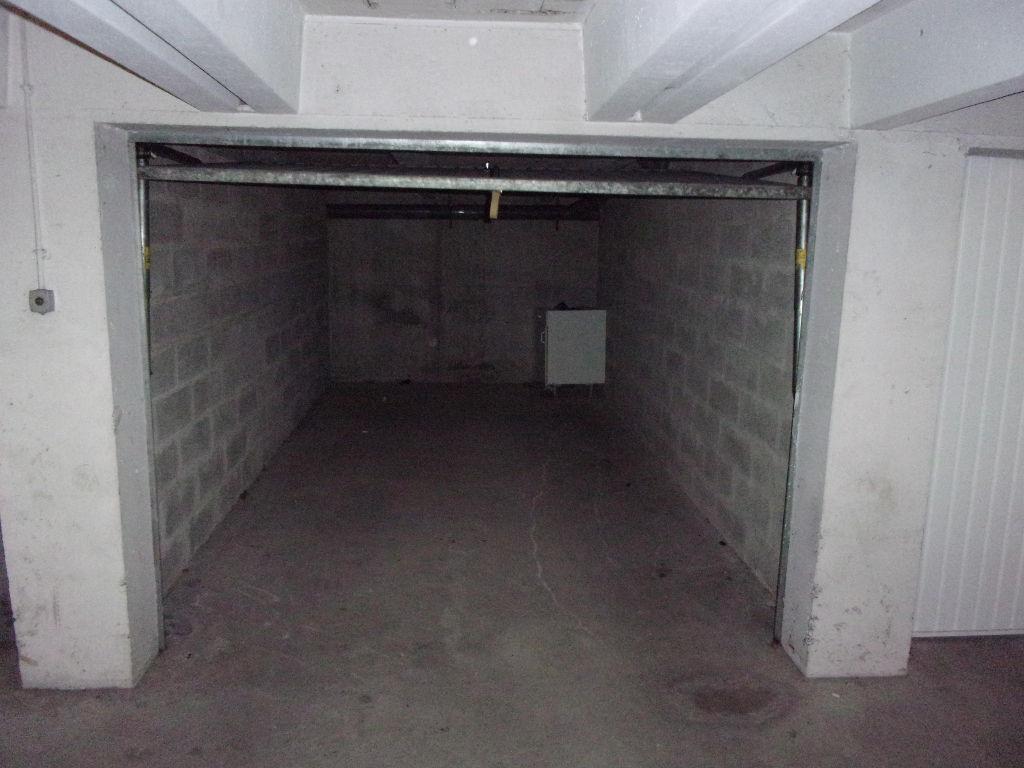 immobilier a vendre vente acheter ach parking box 14150 14 5 m2. Black Bedroom Furniture Sets. Home Design Ideas