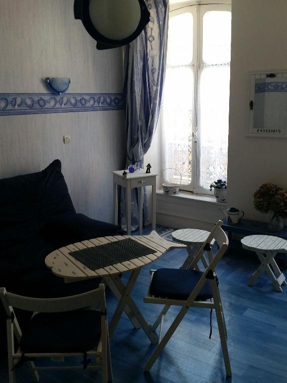 properties cabinet folliot granville cabinet folliot. Black Bedroom Furniture Sets. Home Design Ideas