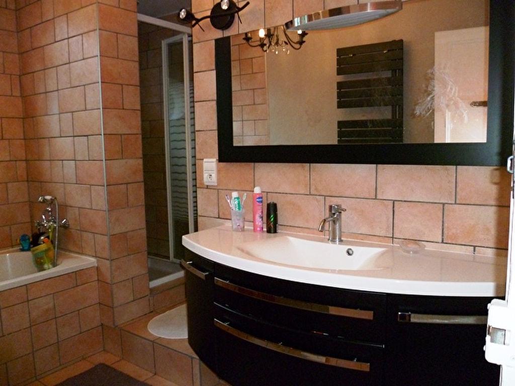 immobilier a vendre vente acheter ach appartement 14000 5 pi ce s. Black Bedroom Furniture Sets. Home Design Ideas