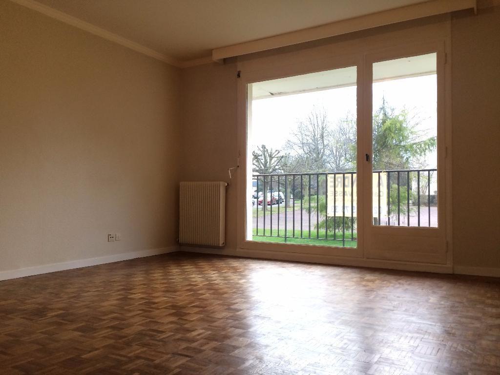 immobilier a vendre vente acheter ach appartement 14000 2 pi ce s 50. Black Bedroom Furniture Sets. Home Design Ideas