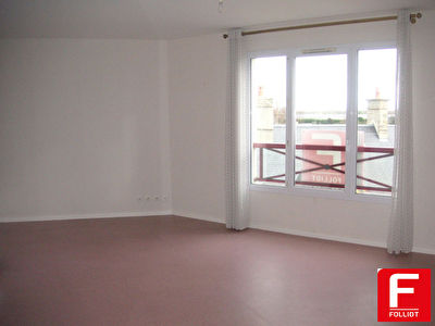 Photo n° 0 - A louer appartement type F3 - centre ville Carentan (50500)