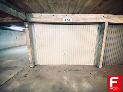 A VENDRE UNIQUEMENT AU CABINET FOLLIOT GARAGE FERME