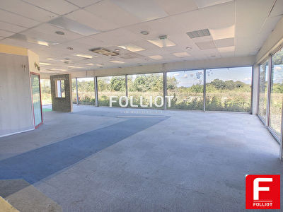 Local commercial Saint-lo 400 m2