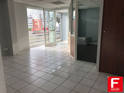A LOUER Local commercial Granville 52.50 m2