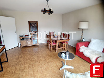 GRANVILLE 50400 - CENTRE VILLE - APPARTEMENT 63 M