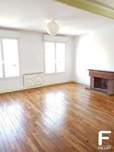 A LOUER GRAND APPARTEMENT DE TYPE F1  38m2 50000 SAINT LO